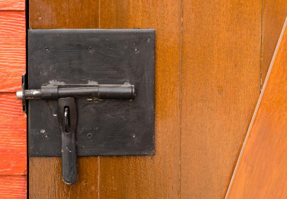 Türstangenschloss vom Mieter eingebaut - Beseitigungsanspruch des Vermieters