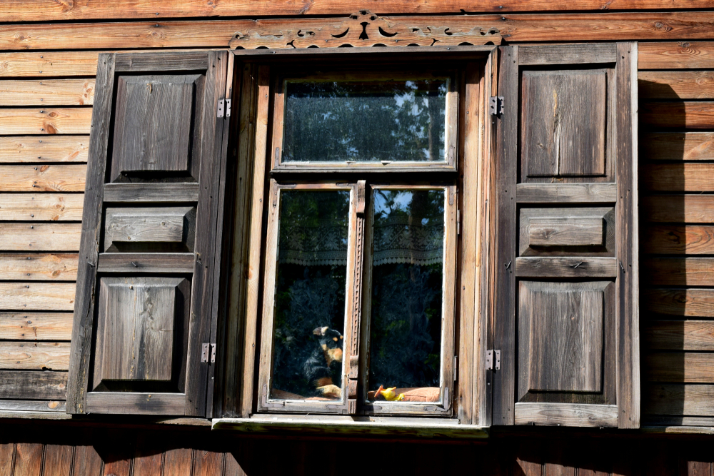 Mietminderungsanspruch bei verwittertem Zustand der Holz-Außenfenster?