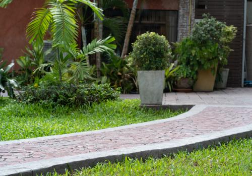 WEG - Gartengestaltung und Gartenpflege - Beseitigungsanspruch einer Gabionenwand